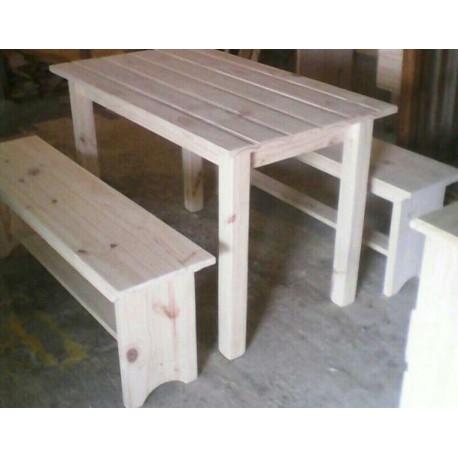 mesa y 2 bancos para parrillero