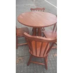 Mesa redonda y 4 sillas vaqueras